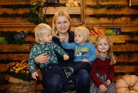 Наташа и дети