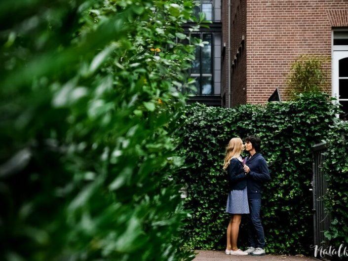 Love story, Голландия, Старый Город, молодая пара, лав стори, зелёная изгородь